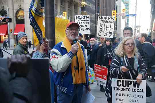 National Organization of Retired Postal Workers representative and Canadian Coalition for Retirement Security member, Peter Whitaker, at the November 28 event in Toronto.