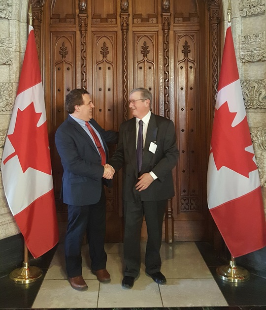 Federal Retirees President Jean-Guy Soulière and Member of Parliament Marc Serré talk national seniors strategy on April 3, 2017